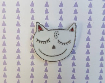 Smiling cat needle minder for cross stitch or embroidery