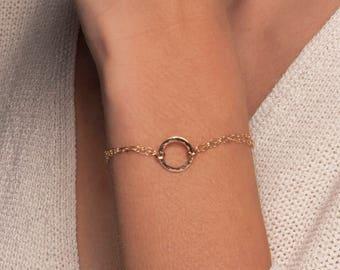 Gold or Silver Hammered Disc Bracelet, Gold or Silver Karma Bracelet, Gold Circle Bracelet, Silver Circle Bracelet, Delicate Gold Bracelet