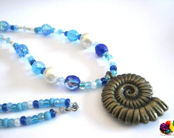 sea shell blue beaded bronze necklace
