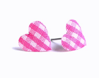 Hot pink and white plaid padded heart fabric stud earrings (317)