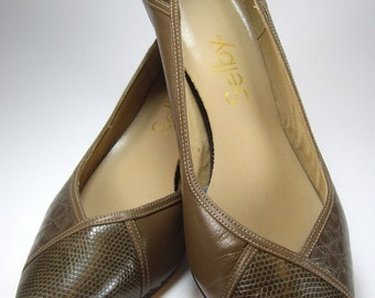Vintage High Heel Pumps Shoes, Brown and Tan Alligator Print, Size 9 B, Selby, Ladies Womens Shoes, Accessories, 1980's Fashions