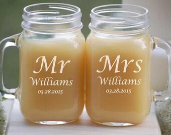 Personalized Wedding Gift, Mr and Mrs Mason Jar Mugs, Rustic Wedding Gift, Mason Jar Set, Couples Wedding Gift, Mason Jar Engagement Gift