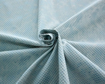 990061-150 Brocade, Co 53%, Pl 37, Pa 10, Width 140 cm, manufactured in Italy, dry cleaning, weight 279 gr, price 1 meter: 57.41 Euros