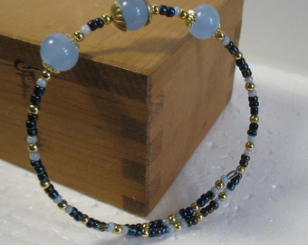 memory wire bracelet luminous vintage blue glass beads gold blue pearl seed beads