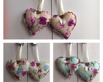 1 x Pair of heart door hangers, shabby chic - floral