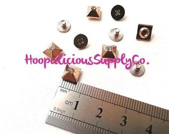 7mm Quadrat Metall Rückseite Schraubenbolzen mit Strass Center - 5 Tops & 5 Schraube Rücken