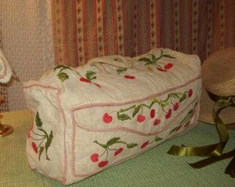 charming vintage travel bag, embroidered with cherries on all sides