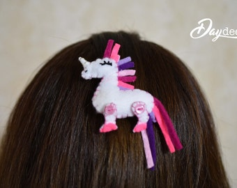 Unicorn Brooch / Unicorn Felt / Unicorn Hair Pin / Unicorn Pin / Unicorn Felt Toy / Hair Clip unicorn / unicorn party / unicorn gift party