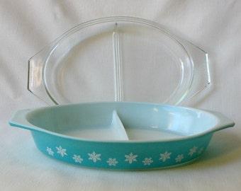 Vintage Turquoise Pyrex .. Divided Dish .. Snowflake Pattern