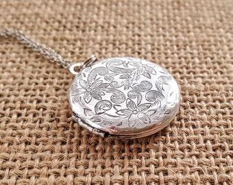 SALE Silver Locket Necklace - Rose Gold Locket - Antique Silver Locket Necklace -Bridesmaid Locket Necklace -Flowergirl Locket - Wedding