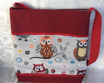 Fancy owls red shoulder bag