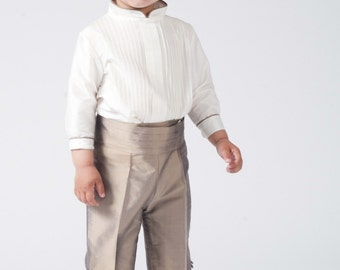 Ring bearer boy's suit. Taupe silk, 3/4 pants. With matching sash. Ivory shirt. Perfect to weding, baptism, special day. Beautiful Boy suit