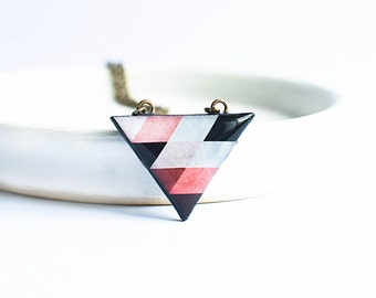 Small triangle necklace, jeometric pendant