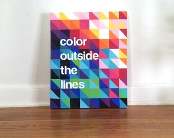 Couleur à l'extérieur de la peinture acrylique originale de lignes