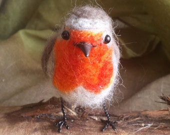 READY TO SHIP - Robin - Needle felted bird- Erithacus rubecula
