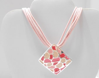 Vintage Pink Choker Necklace (5554) Enamel Pendant