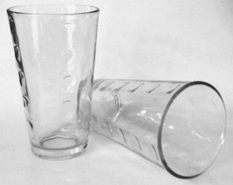 Set of 2 Libbey Urban Drinking Glasses / Set of 2 Textured Glass Tumblers