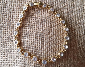 Vintage Gold tone Tennis Bracelet, 19 crystals 7.5 inches
