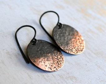 Copper disc earrings, rustic earrings, minimalist earrings, hammered metal - Luna