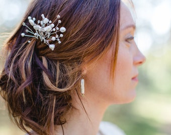 Earrings with long beads and dandelions