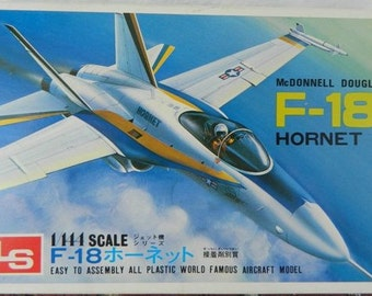 Model airplane Navy F-18 Hornet Fighter Jet 1/144 scale kit  McDonnell Douglas Naval Aircraft Military Aviation Carrier Plane Cold War