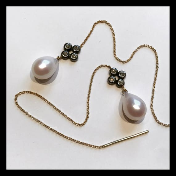 Elisabeth l  Thread Earrings  18K Gold, Diamonds and freshwater pearls