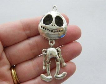 1 Skeleton man pendant antique silver tone HC177