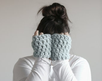 Chunky Wrist Warmers Fingerless Gloves   THE SNUGGS in Glacier