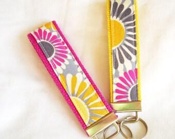 Keychain Wristlet Key fob - Free to Grow Organic Cotton, Daisies in Summer - Choose Fuschia or Yellow Webbing
