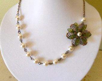 Elegance flower necklace cream pearls,- Green Flower necklace, Vintage necklace, Free Shipping, gift, wedding jewelry