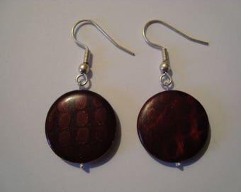Brown earrings wit tone on tone