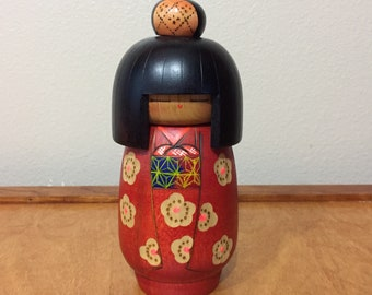 Vintage Wood Kokeshi Female Asian Doll