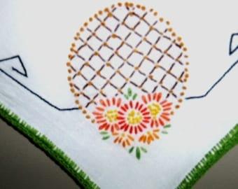 vintage linen ... PINEAPPLE RETRO FUN table cloth ... kitschy kithcen ...