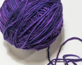 Hand dyed | Handspun yarn | Single ply bulky | Huge 2lb skein | Blanket | Sweater | No Knots | 656 yards