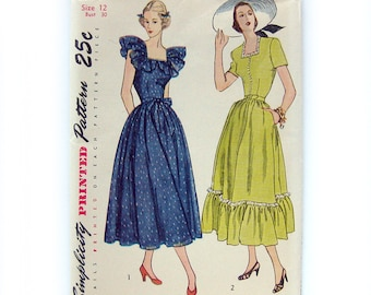 Vintage 1940s Sewing Pattern Dress with Square Neckline Simplicity 2511 / UNCUT FF Size 12 Bust 30