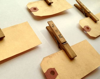 150 Place Card Kit. Personalized Anthropologie Vintage Wedding. Rustic. Name Tag. Escort Card. Clothespins and Luggage Tag. Name Tag  LIGHT