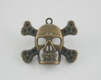 2 pcs.Zinc Antique Brass Skull Cross Bone Charms Pendants Decorations Findings 34 mm. PND SK BC