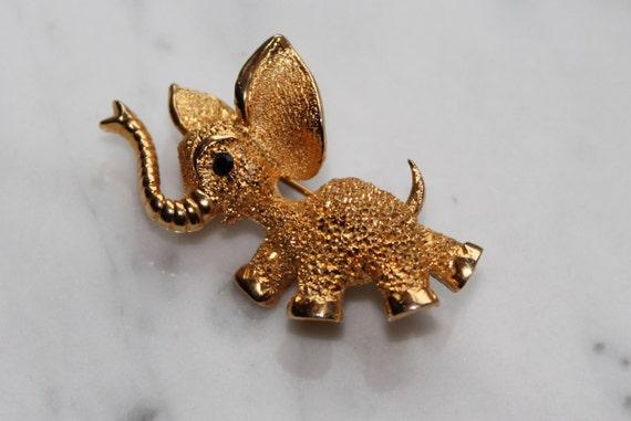 BROOCH Vintage Gold Dumbo Elephant ,   Gold textured Metal , Black rhinestone, Retro 1980s