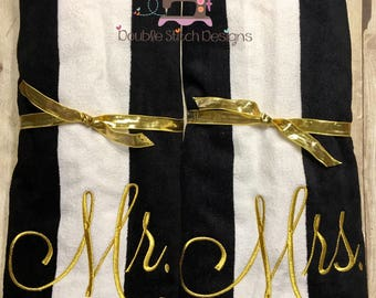 Black and white wedding, gold or silver, Wedding gift, Mr and Mrs, beach towels, couple gift, wedding gift, personalized, beach honeymoon