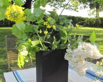 vase in natural slate
