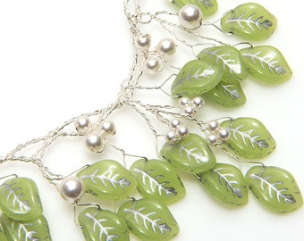 Jade Green Vintage Style Bib Necklace, Green Bridal Necklace, Wedding Jewelry, Leaf Necklace, Green Beaded Necklace, Nature Jewelry