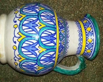 Fes D pottery