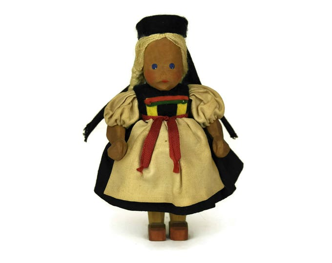 Vintage German Doll. Folk Art Wooden Figurine. Schwaben Swabia Souvenir. Ethnic Collectible.