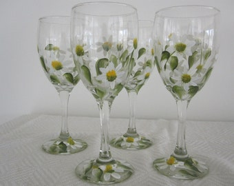 Wine Glasses with Daisies, hand painted, great Mothers day gift, Birthday, Anniversary, Housewarming, Bridal shower, Teacher, Retirement