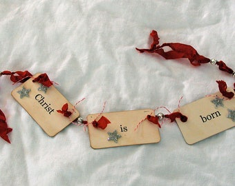 Christ is born flash card ornament\/garland (red)
