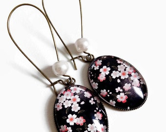 earrings, pink flowers, pink cherry blossoms, sakura Japanese black, glass cabochon washi paper