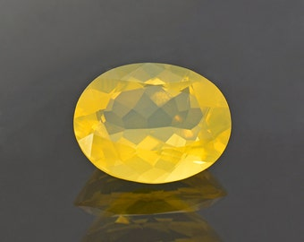 Fantastic Yellow Oregon Jelly Opal Gemstone 3.57 cts.