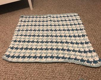 Sea Blue Houndstooth Crochet Throw / Lap Blanket 29x33