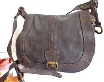 FOSSILE selle Messenger sac Rabat facteur Crossbody Boho Yoga sac à main boucle de Bronze fourre-tout moyen cadeau rustique sac en cuir brun