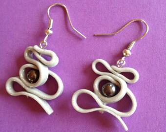 boucles d'oreille spirale en pâte fimo